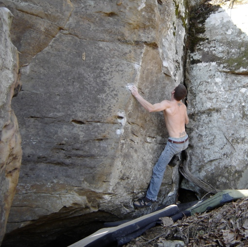 patrick sets up for the deadpoint on the compression classic Cascade (v4)